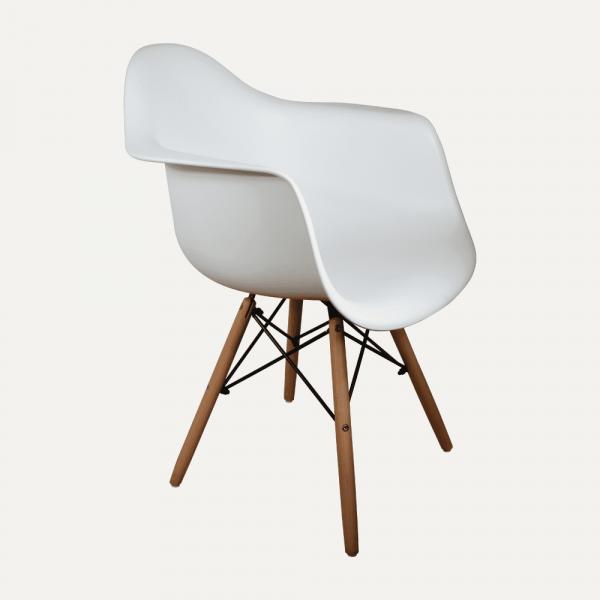 escritorio-to-home-1-silla-eames-reposabrazos